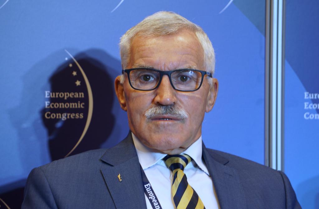 Mieczysław Bieniek, Krakowska Akademia im. Andrzeja Frycza Modrzewskiego, były zastępca dowódcy strategicznego, NATO