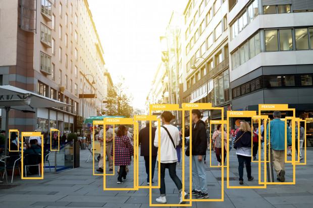 Polskie firmy stają przed szansą. Sztuczna inteligencja wciąż jednak budzi obawy