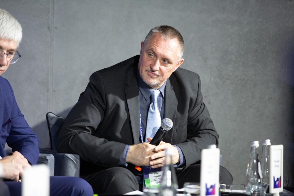 Sesję moderował Piotr Myszor, dziennikarz WNP.PL i Magazynu Gospodarczego Nowy Przemysł