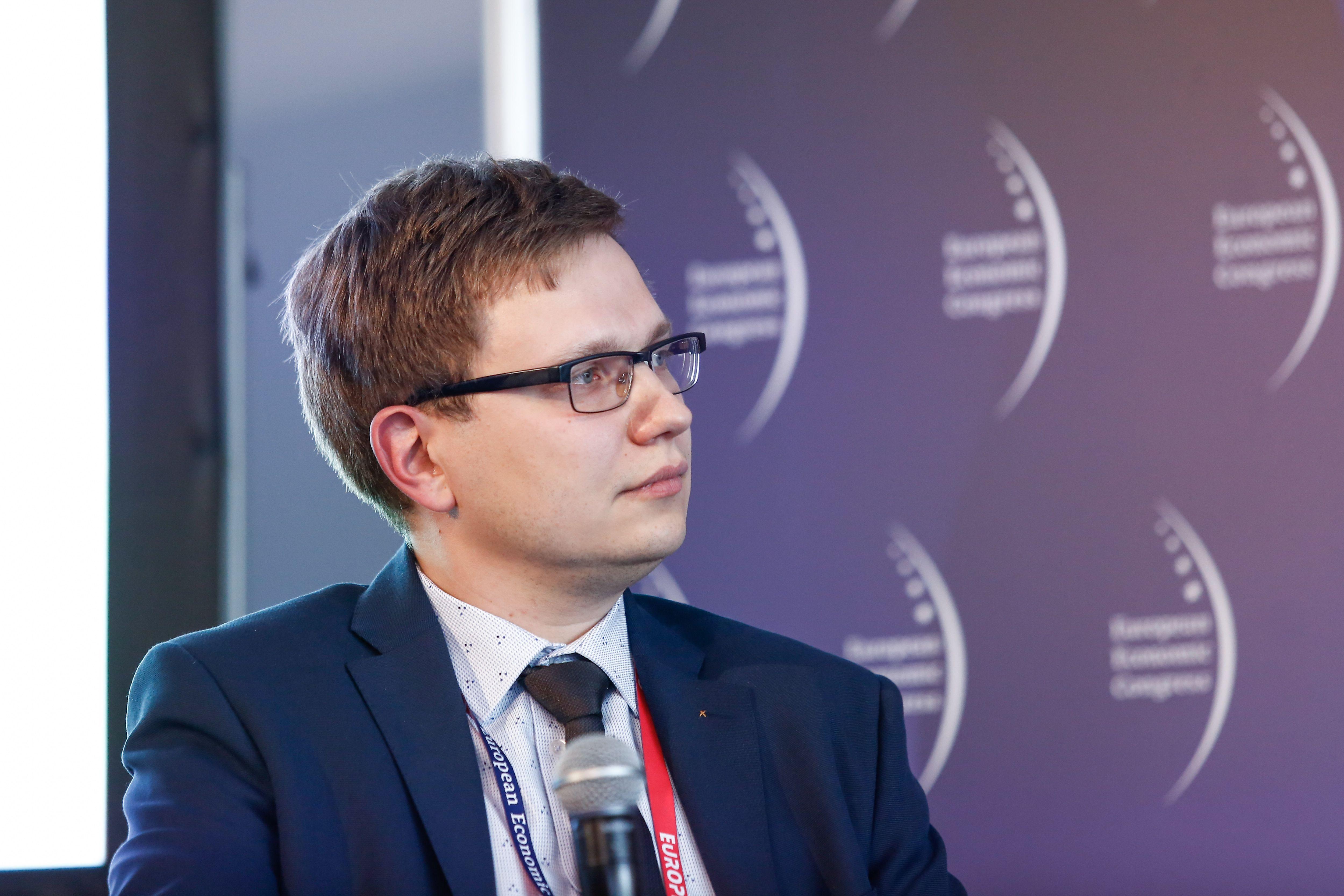 Paweł Szygulski - moderator dyskusji (fot. PTWP)
