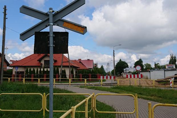 PKP PLK zwiększa bezpieczeństwo na przejazdach kolejowo-drogowych