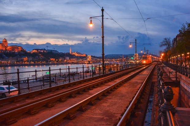 Węgrzy starają się w Chinach o kredyt na kolej do Belgradu