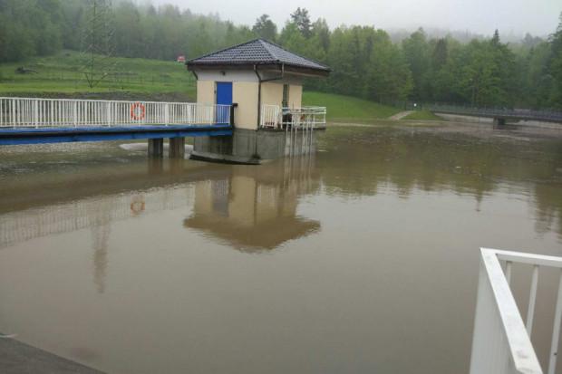 Śląski nadzór budowlany nakazał rozbiórkę zapory zbiornika retencyjnego
