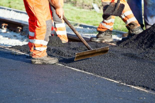 Powstał nowy węzeł drogowy do terenów ŁSSE w Ksawerowie