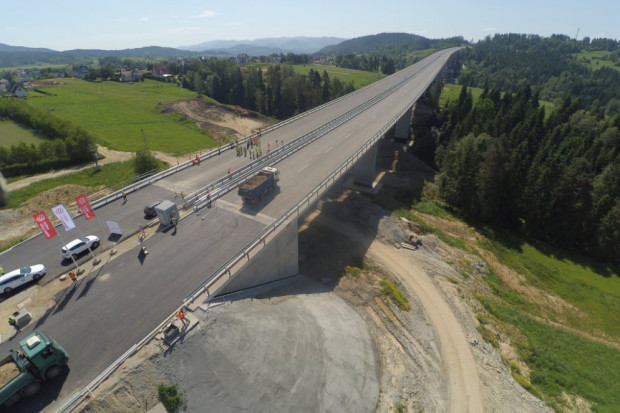 Najdłuższy i najwyższy wiadukt drogowy w Polsce zdał egzamin