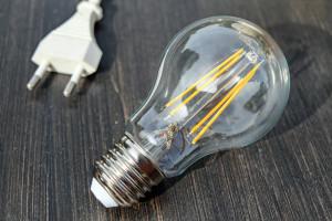 Bez poprawek w II czytaniu projektu nowelizacji ustawy o cenach prądu