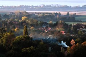 Samorządy wciąż potrzebują wsparcia w walce z niską emisją i smogiem