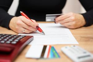Będzie problem, banki przykręcają kurek z kredytami