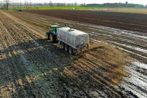 Firma upadła, pozostały wielomilionowe zobowiązania i oszukani rolnicy