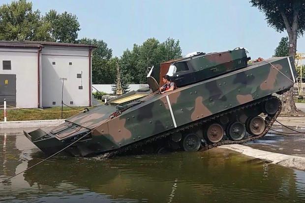 Prototyp Borsuka do końca roku. Nowy wóz piechoty bliżej żołnierzy