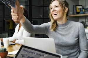 Kobiet w biznesie coraz więcej. Do ideału nadal daleko