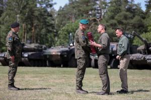 """Awanse generalskie wręczone. """"Wojsko Polskie staje się liczniejsze, ma nowoczesny sprzęt"""""""