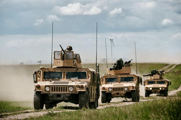 Kraje NATO wyraźnie poprawiają się w wydatkach na obronność