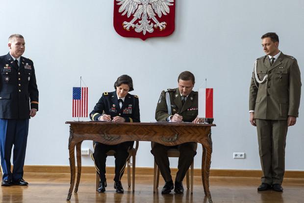 Polska i USA łączą siły w cyberobronie