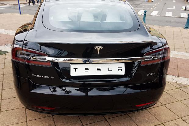 Tesla ustaliła przyczyną pożaru Modelu S