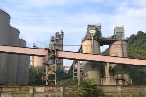Chińskie inwestycje rozwinęły branżę cementową Tadżykistanu