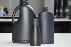 Jest szansa na rozwiązanie problemu z recyklingiem czarnych butelek