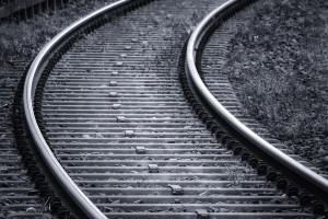 Wykonawca zaniedbuje budowę. Linia kolejowa Warszawa-Radom później niż planowano
