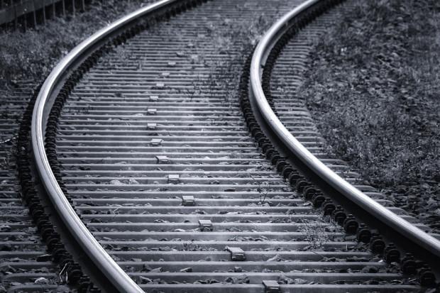 Linia kolejowa Warszawa-Radom później niż planowano