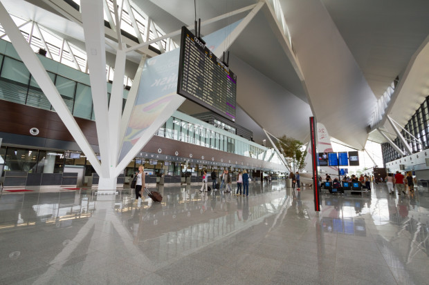 Coraz więcej podróżnych korzysta z gdańskiego lotniska
