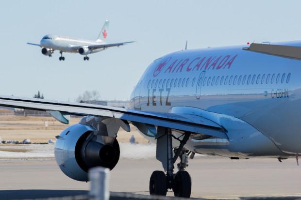 Samolot Air Canada wpadł w turbulencje - kilka osób z poważnymi obrażeniami