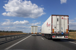 Ulepszajmy kolej, ale nie kosztem transportu drogowego