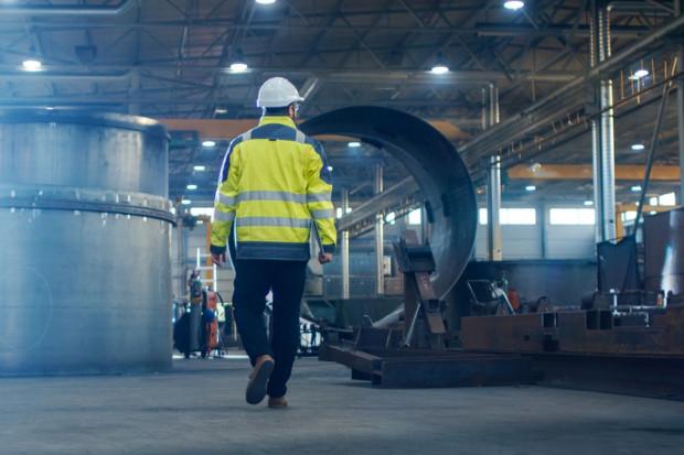 Wyraźny spadek produkcji przemysłowej w Polsce