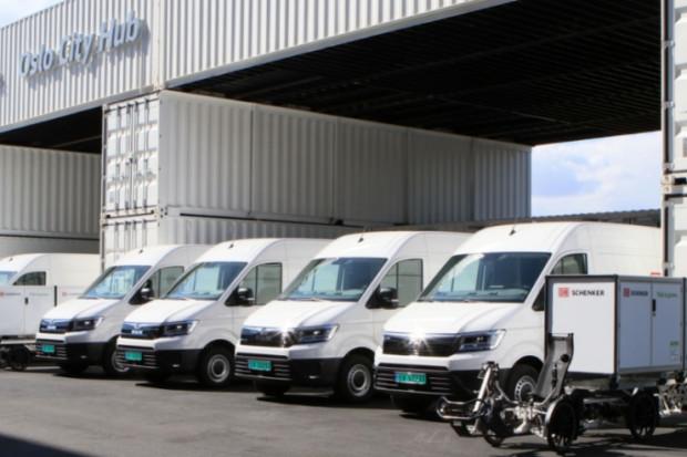Niskoemesyjny terminal przeładunkowy.  DB Schenker stawia na e-ciężarówki i rowery