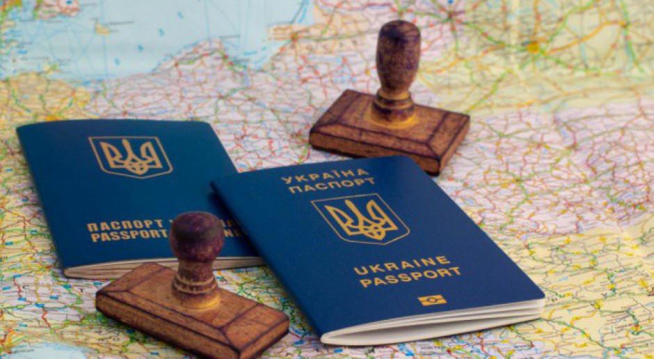 Setki ciężarówek czekają na wyjazd z Ukrainy na granicy z Polską