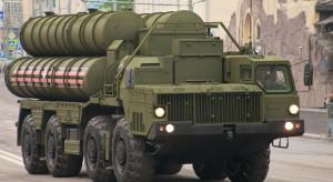 Rosja przemieściła do Serbii wyrzutnie rakiet S-400