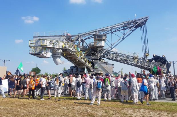 Ekolodzy wdarli się na teren odkrywki Tomisławice