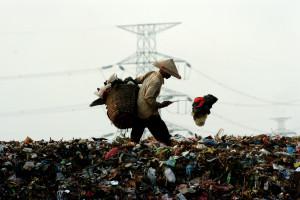 Po Chinach kolejny kraj ogranicza przyjmowanie śmieci z Zachodu. Polska może dostać rykoszetem