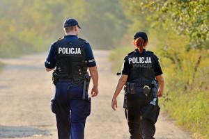 Policja świętuje 100 lat. Sprawdziliśmy, czy taka praca się opłaca