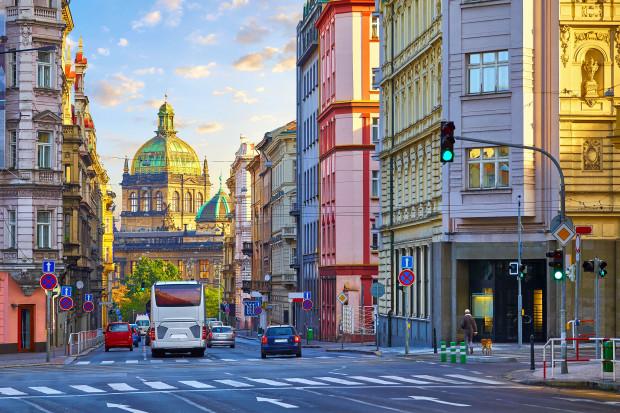 Praga wprowadza ograniczenia dla samochodów w centrum