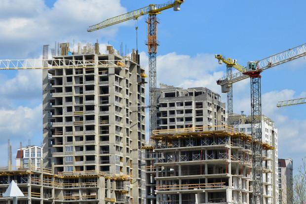 Minister obiecuje 100 tysięcy mieszkań. Pytamy o konkrety