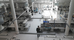 Producent detektorów podczerwieni w nowej hali produkcyjnej