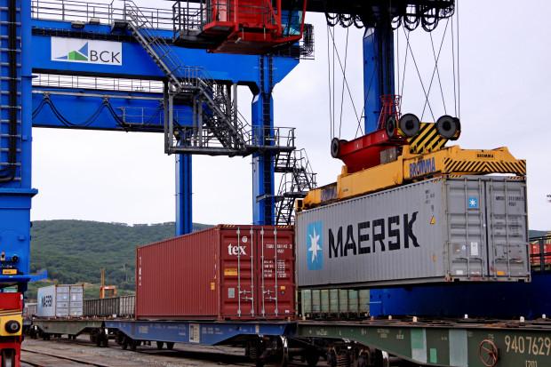 Maersk sfinalizował uruchomienie serwisu AE19 morze-ląd-morze