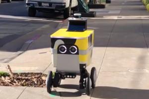 Roboty dostawcze o zasięgu ponad 40 km  będą testowane na chodnikach