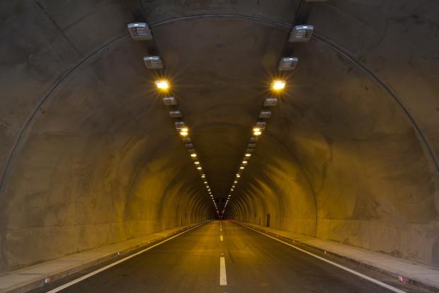 Pierwsze problemy projektu najdłuższego podmorskiego tunelu