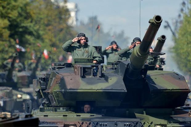 Armia dwóch opcji: nowoczesna czy defiladowa?
