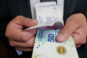 Bank centralny Argentyny zajął się ratowaniem kursu peso