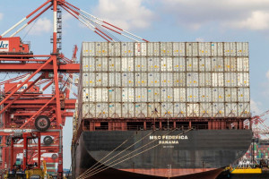 Transport towarów w kontenerach słabnie, ale ten segment nie nadąża za popytem