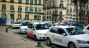 Taksówkarze są karani z noszenie krótkich spodni
