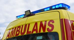 Wypadek autokaru z pielgrzymami. Zablokowana droga 53