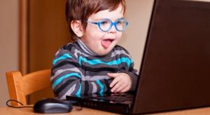Dzieci do dwóch lat w ogóle nie powinny mieć kontaktu z ekranem komputera