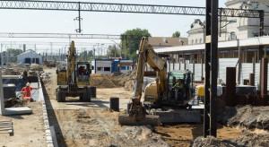 Kolejowe inwestycje trwają. Będą nowe perony, wiadukty i mosty