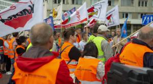 """""""Zdumienie i rozgoryczenie"""" w Hucie Częstochowa. Związki zapowiadają protesty"""