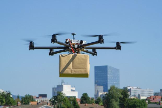 Drony będą jak samochody. Nadchodzi obowiązkowa rejestracja i kursy