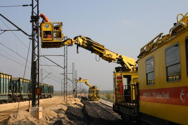 Będzie bezpośredni pociąg z Rzeszowa do Warszawy - PLK elektryfikują linię kolejową