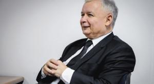 Płaca minimalna. Minister Emilewicz żali się, Jarosław Kaczyński odpowiada
